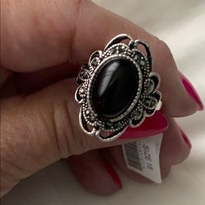 Black Cabochon Filigree Ring 🔥Firm Price🔥